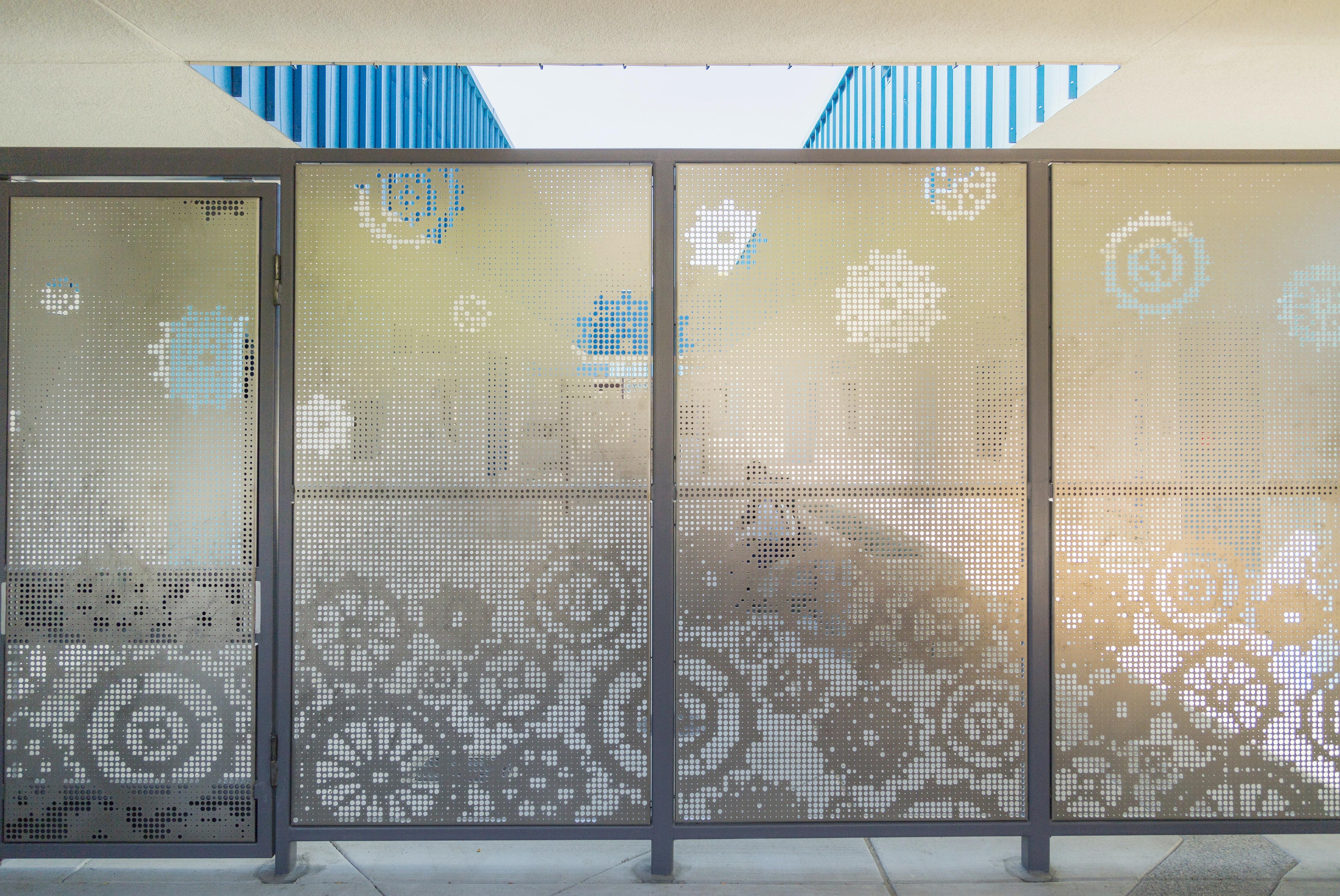 & Washington Elementary School Privacy Screenwalls | Zahner