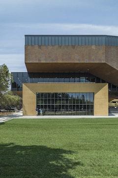 Stanford mcmurtry  c  zahner photo by tex jernigan 6179