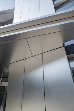 Stainless steel plate panel system developed by Zahner for IBM Headquarters.
