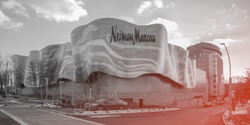 Building a dual-curved facade with pre-fabricated panels.