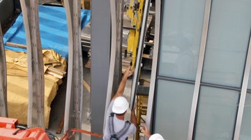 Zahner headquarters installing panels2