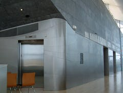 Unique lines made by the interior stainless steel wall-panels.