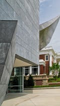 Detail of the New Hunter Museum entrance.